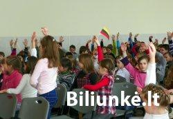 J. Biliūno gimnazija minėjo Lietuvos valstybės atkūrimo dieną