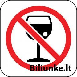 A. Mamontovo ir R. Karbauskio iniciatyvą uždrausti prekybą alkoholiu ir jo vartojimą per renginius, pritraukiančius nepilnamečių.